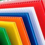 Adhesivo para pegado de láminas de plástico corrugado